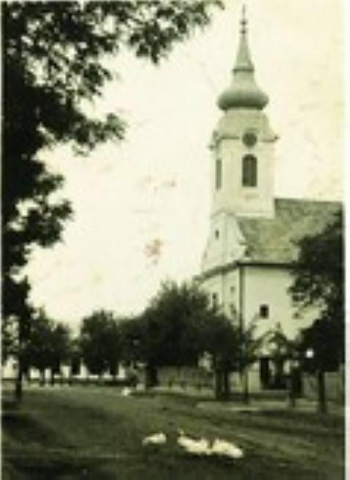 A templom és régi iskola épülete 1939-ben.